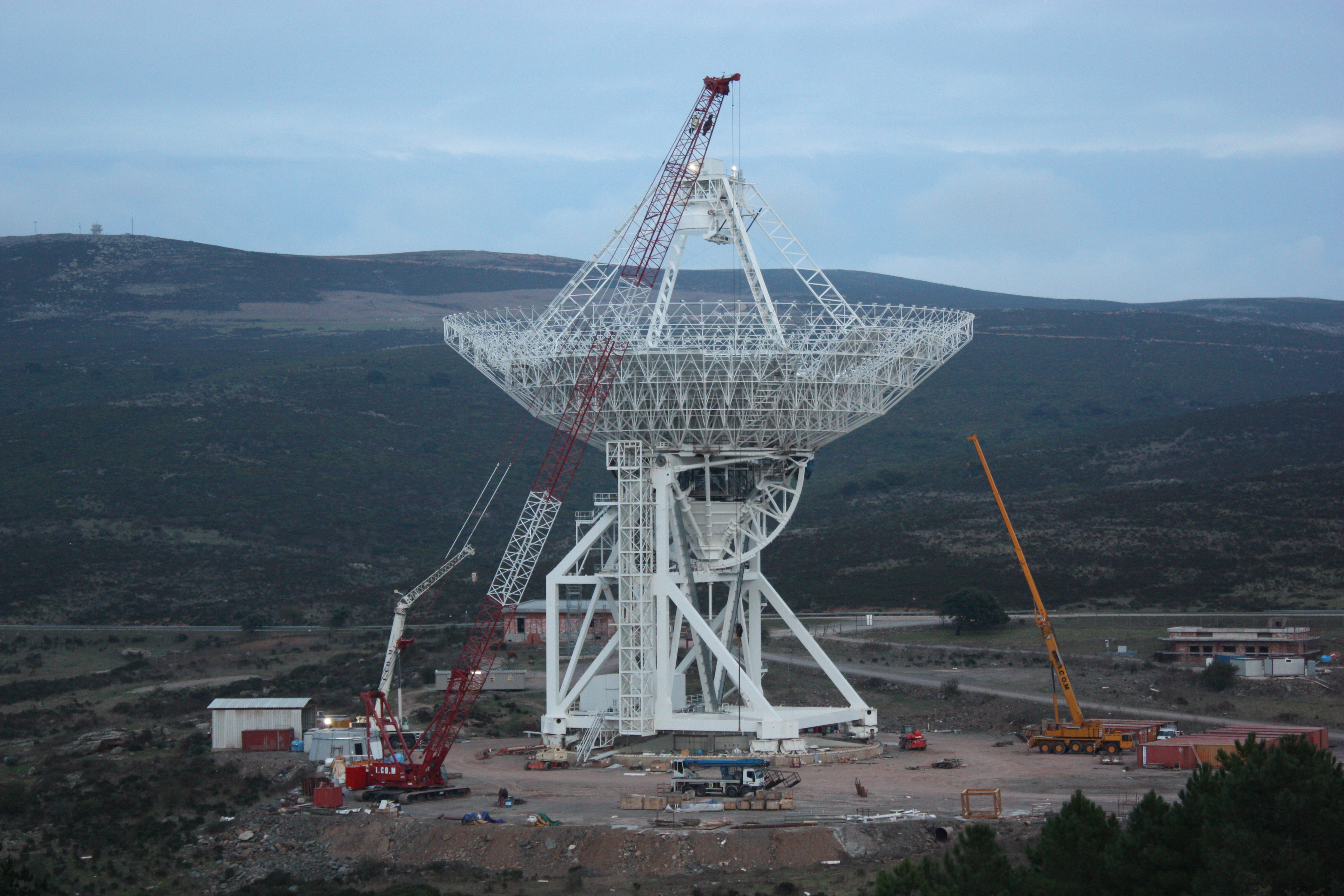 Sardinia_Radio_Telescope_SRT_under_construction